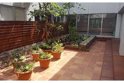 <お庭施工事例 vol.1>中庭を和風庭園から洋風庭園に