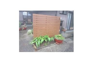 <フェンス施工事例 vol.2>花壇の調和がとれる目隠しフェンス