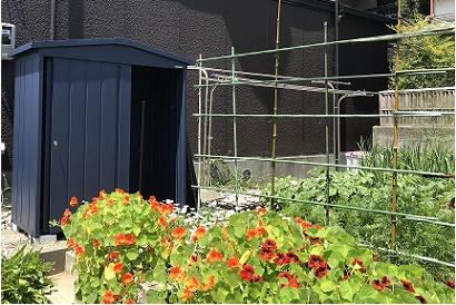 <物置施工事例 vol.10>お庭にマツモト物置設置
