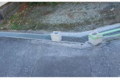 <その他施工事例 vol.37>側溝の渡り部分セメント破損で車が止めにくい